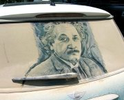 Scott Wade creates Albert Einstein out of dust