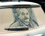 Scott Wade creates Albert Einstein out of dust