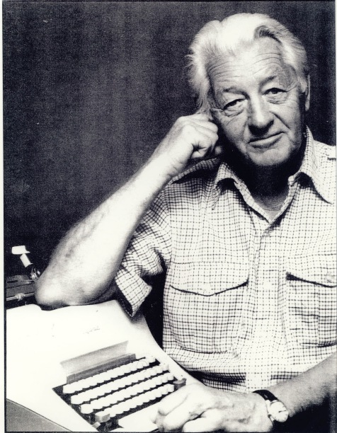 Wallace Stegner and his typewriter - KUED image