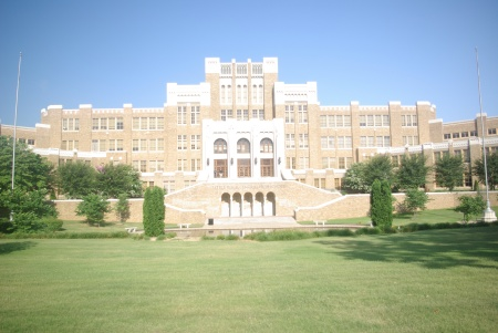 Little Rock Central High School in 2011, photo by Ed Darrell - use permitted with attribution