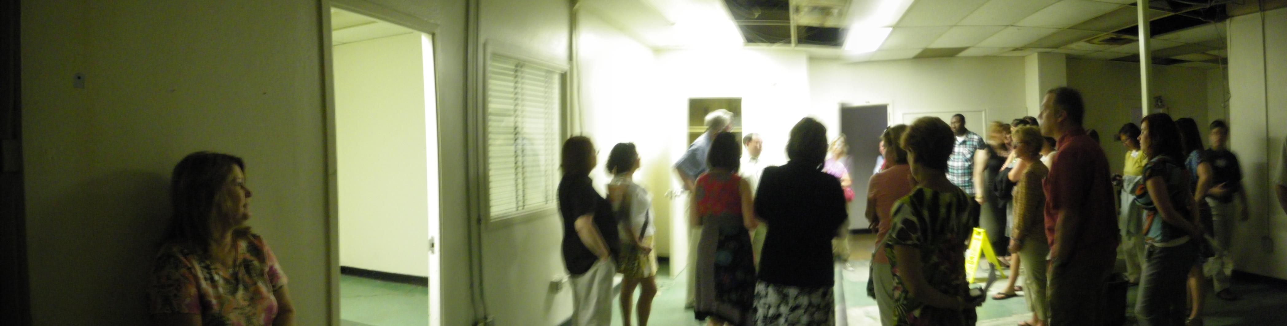 6th Floor Museum Seminar   Teachers In The Dallas Police Station, At  Oswaldu0027s Interrogation Room
