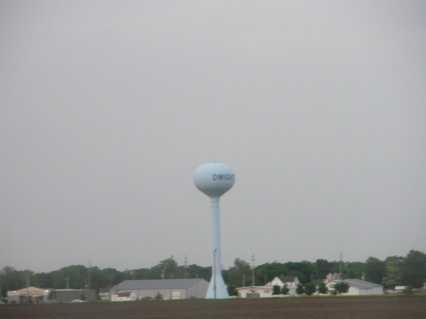 Water tower in Dwight, Illinois -- fuzzy photo by Ed Darrell at 70 mph