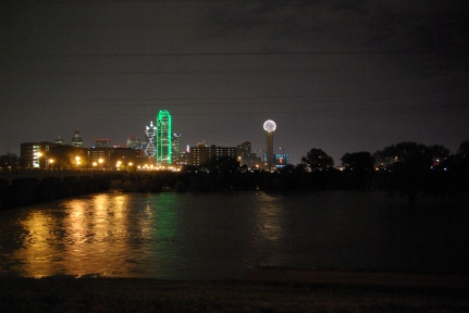 Trinity River in flood and Dallas at night, 9-2010 IMGP5052 - photo by Ed Darrell, Creative Commons License