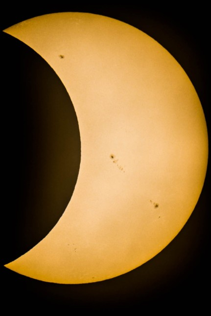 Annular eclipse of May 20, 2012 - photo by Langridge via twitpic