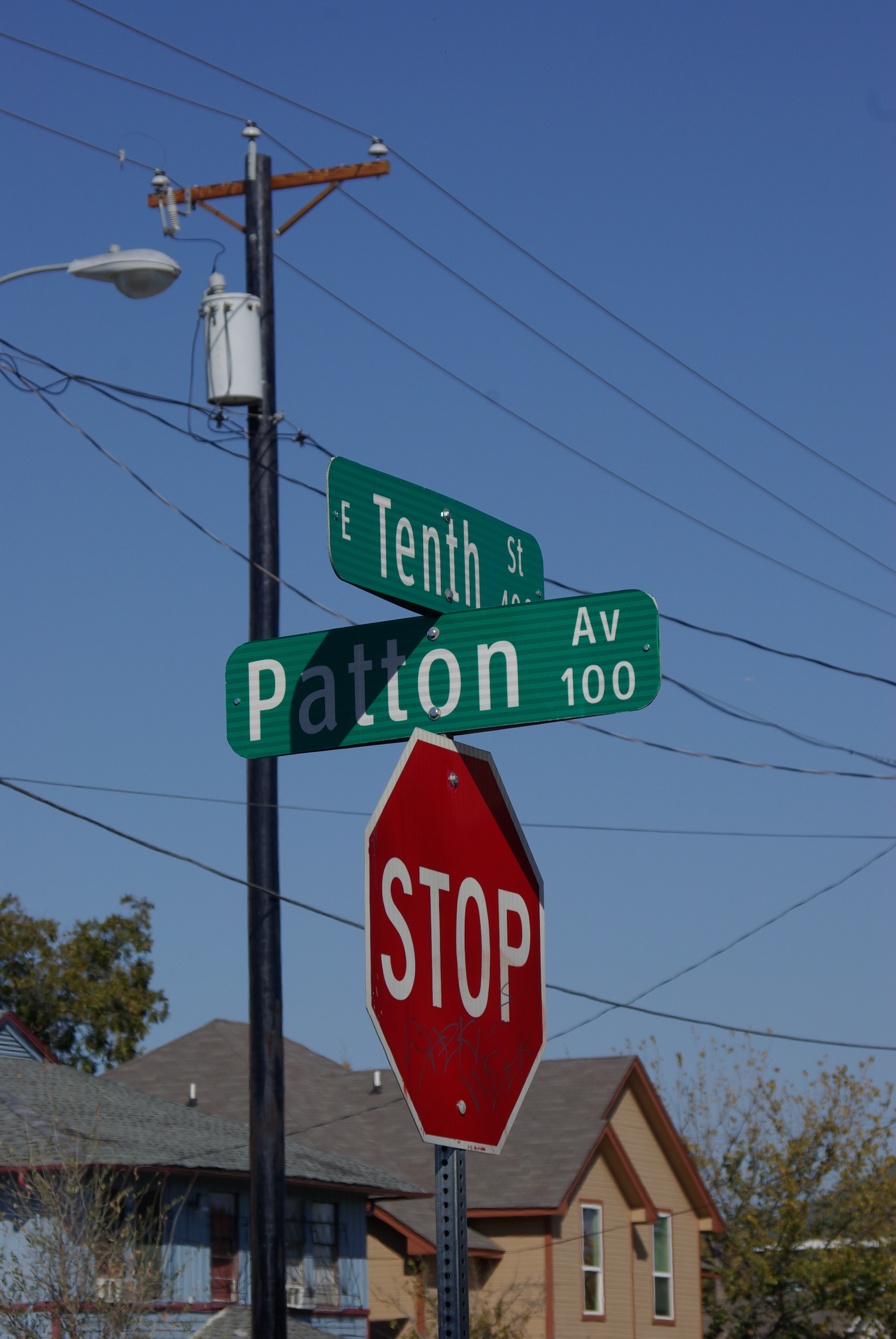 2012-11-20 Home and Tippitt Memorial 036 Street sign at 10th and Patton, site of confrontation between Lee Oswald and Officer Tippit - photo by Ed Darrell