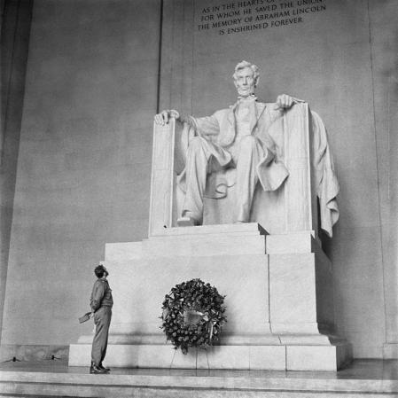 "Fidel Castro at the Lincoln Memorial, 1959. Photo by Alfredo Korda. Korda titled the photo ""David and Goliath."""